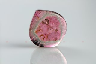 320_03_1123_polychrome_tourmaline